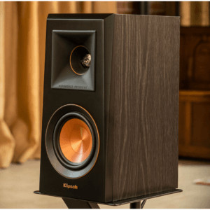 Klipsch Reference Premier RP 600M Bookshelf Speaker Lifestyle Walnut