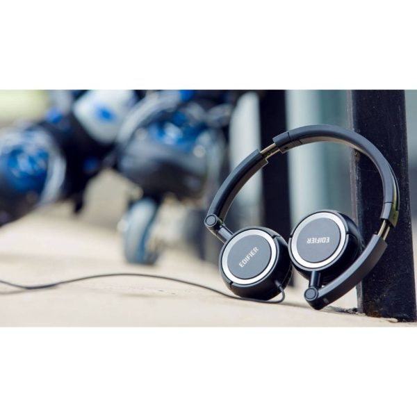 edifier wired over-ear headphone view